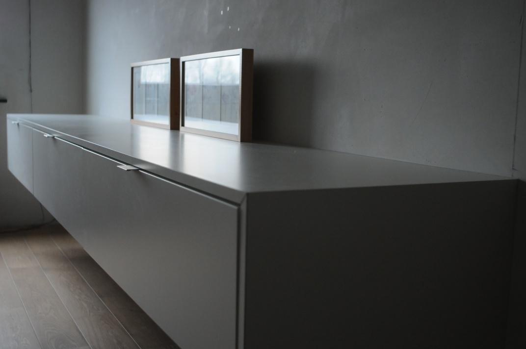 Woonkamer kasten hout staande houten vitrinekast misty cm kast met glazen deur - Console ingang kast lade ...