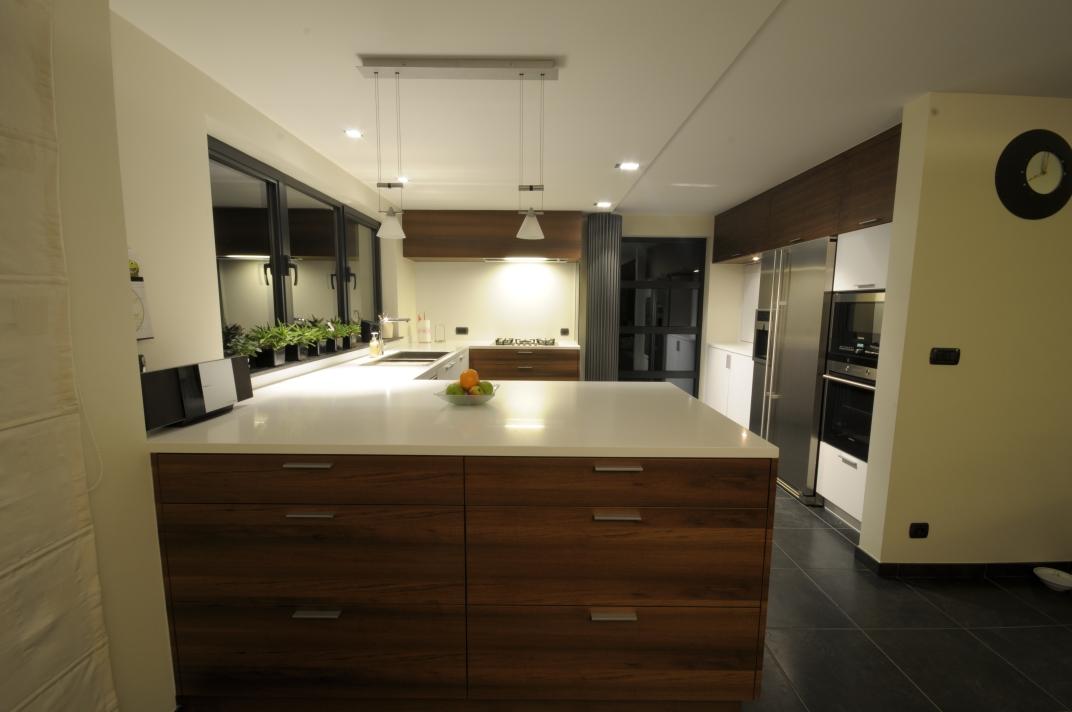Achterwand Keuken Mdf : Notelaar fineer met laminaattablet